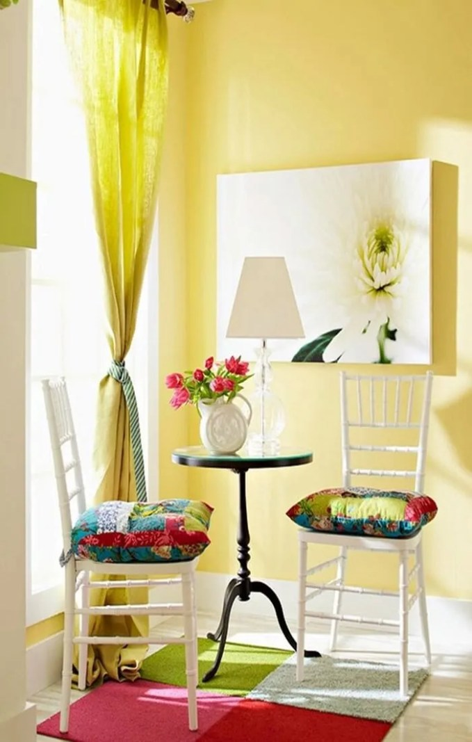 colorful-and-airy-spring-living-room-designs-8