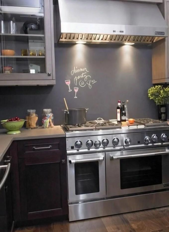 creative-chalkboard-ideas-for-kitchen-decor-13-554x738