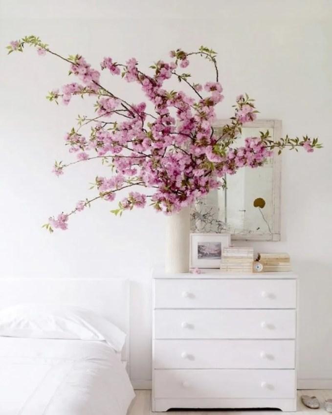 delicate-cherry-blossom-decor-ideas-for-spring-25-554x733 (Copy)