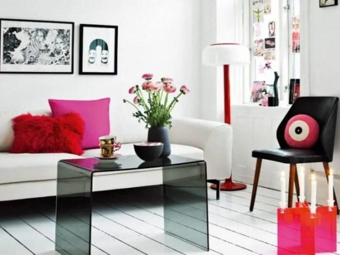 airy-and-elegant-feminine-living-rooms-23-554x436