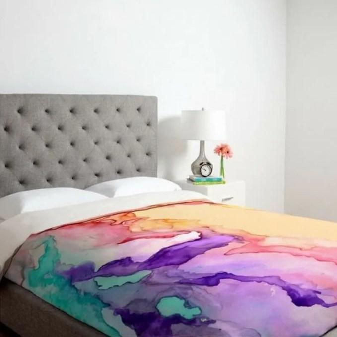 subtle-and-delicate-watercolor-home-decor-ideas-7-554x554