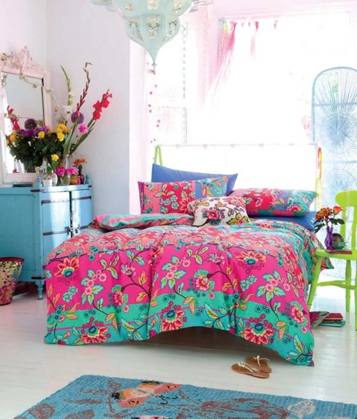 8 Bohemian Chic Teen Girls Bedroom Ideas  https