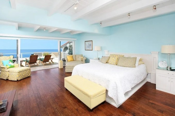 Tropical Yellow and Blue BEdroom