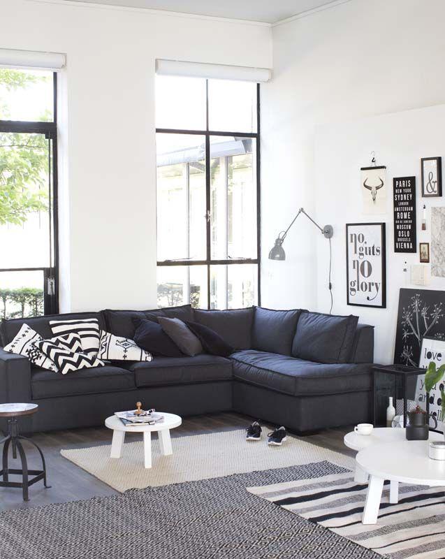 Zwart wit interieur woonkamer  InteriorInsidernl