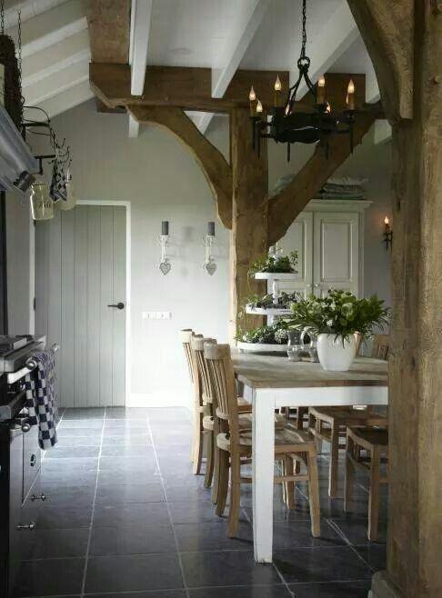 Interieur met balken  InteriorInsidernl