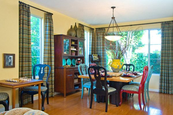 Kleurrijke stoelen  InteriorInsidernl