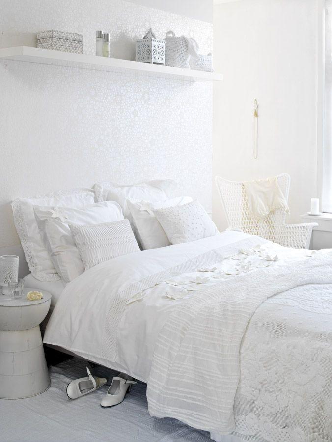 Witte slaapkamer inspiratie  InteriorInsidernl