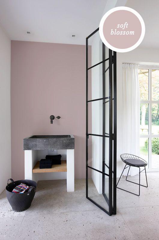Frisse kleuren badkamer  InteriorInsidernl