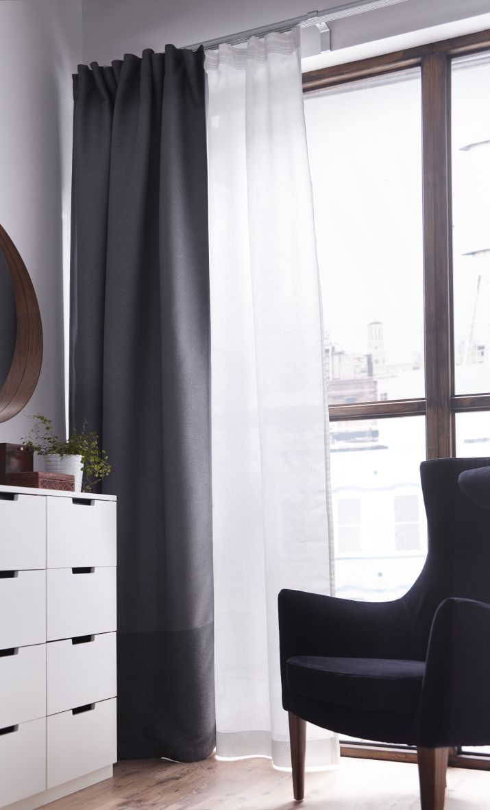 Donkere gordijnen in slaapkamer  Interieur Insider