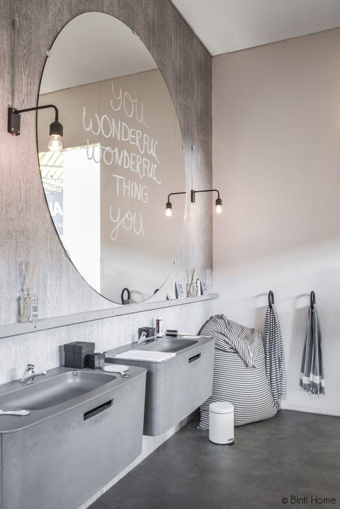 Spiegel in de badkamer  InteriorInsidernl