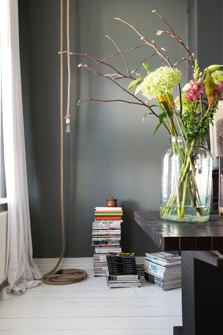 Lente takken in mooie vazen  InteriorInsidernl