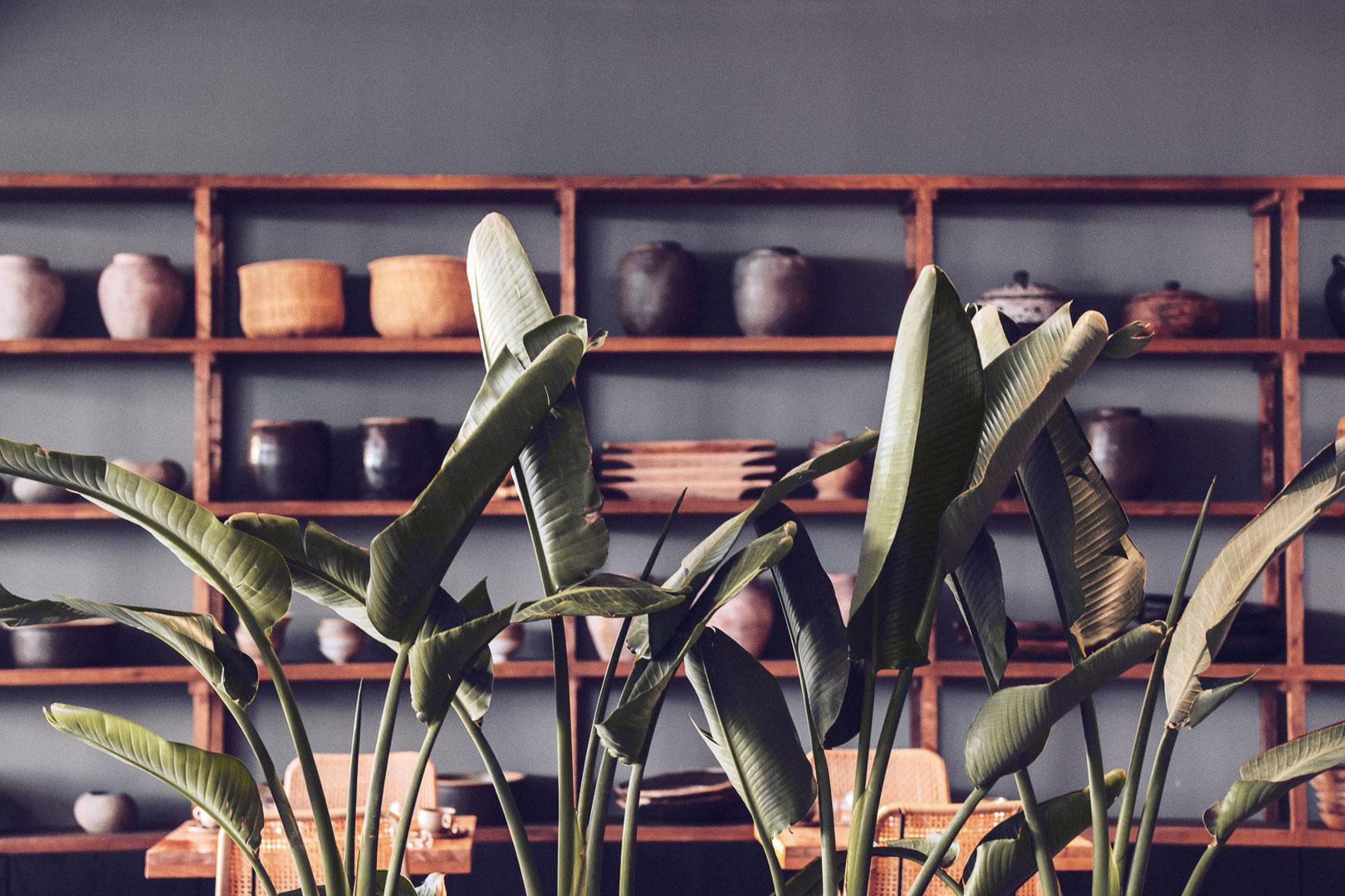 Detalle fotográfico arquitectura real estate del interior del comedor del restaurante Casa Cook Ibiza