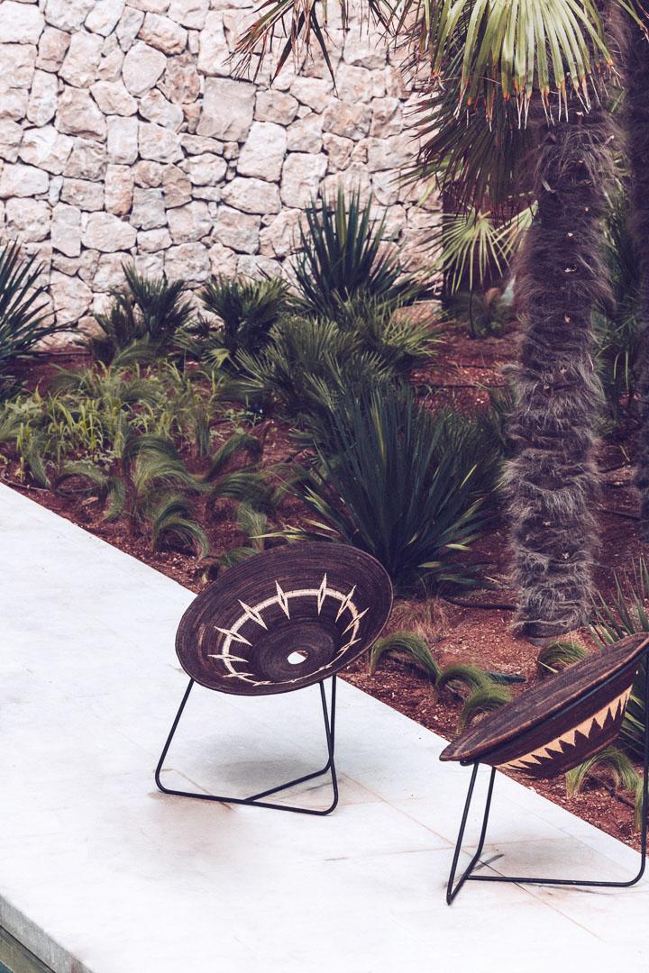 Detalle imagen arquitectura real estate sillas de piscina privada para habitaciones en hotel casa cook Ibiza