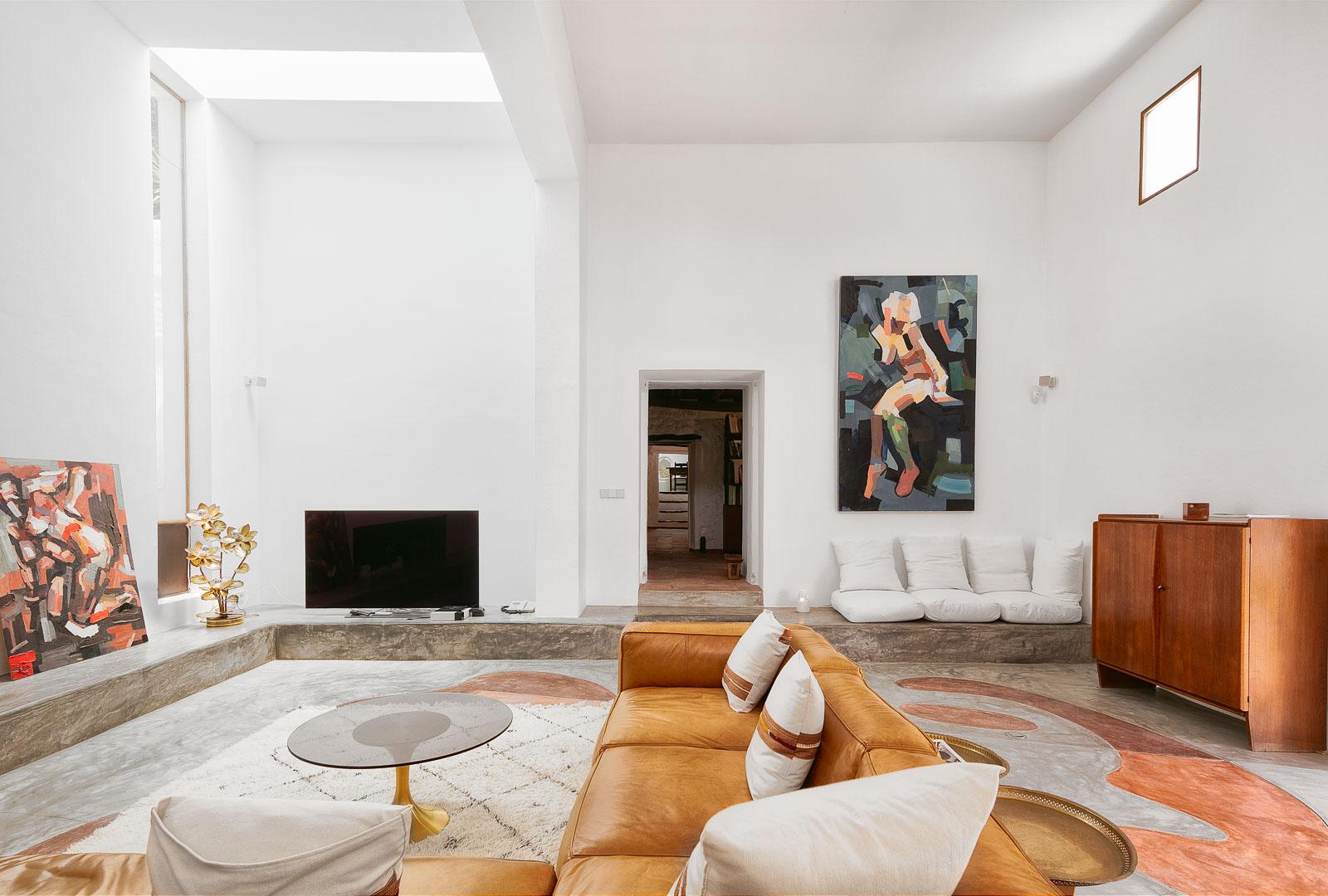 Fotografía interiorismo real State del interior de un salon en villa de sant josep de ibiza
