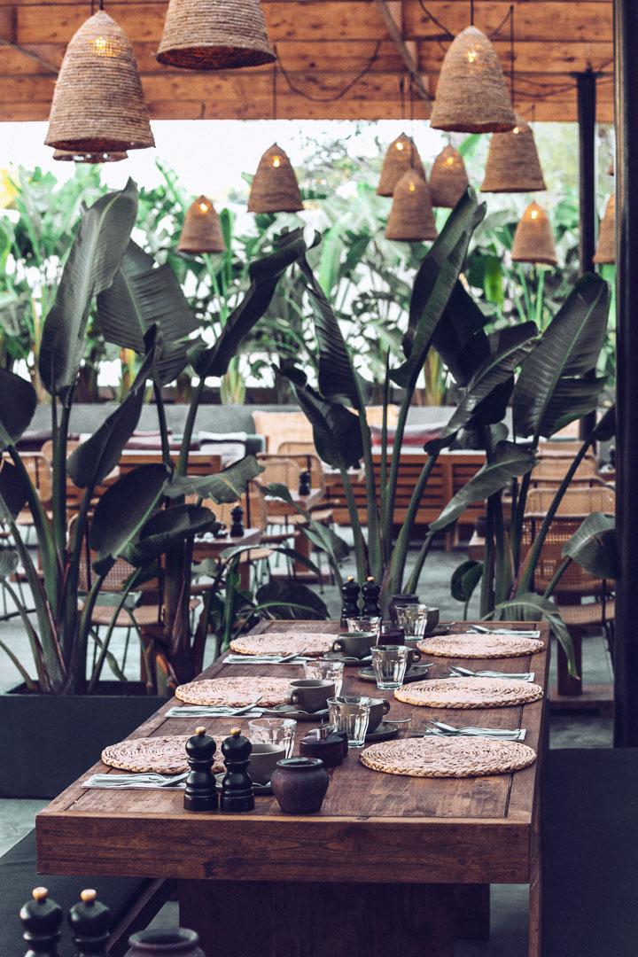 Imagen arquitectura real estate del interior del comedor del restaurante de Casa Cook Ibiza en las Islas Baleares