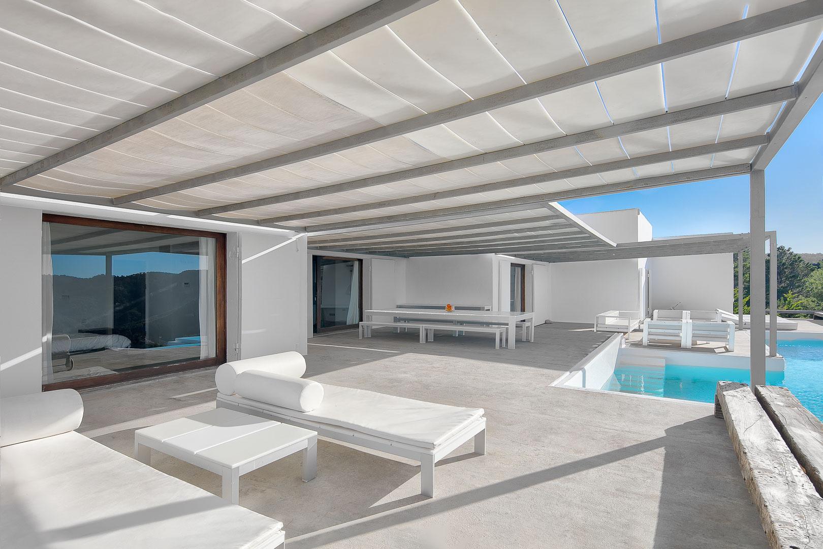 fotografía exterior real estate villa privada de la piscina en Ibiza