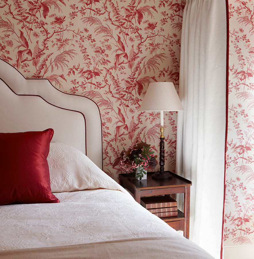 Reds In Scotland Interiors By Color