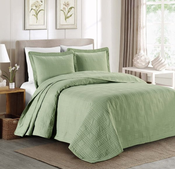 Top 5 Green Bedspreads 'll Love - Interiors Color