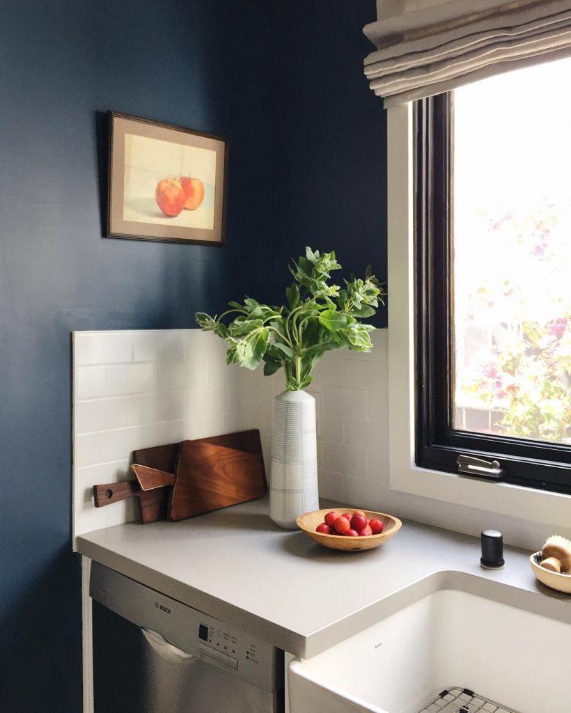 An Amazing Kitchen Painted In Farrow Amp Ball Stiffkey Blue