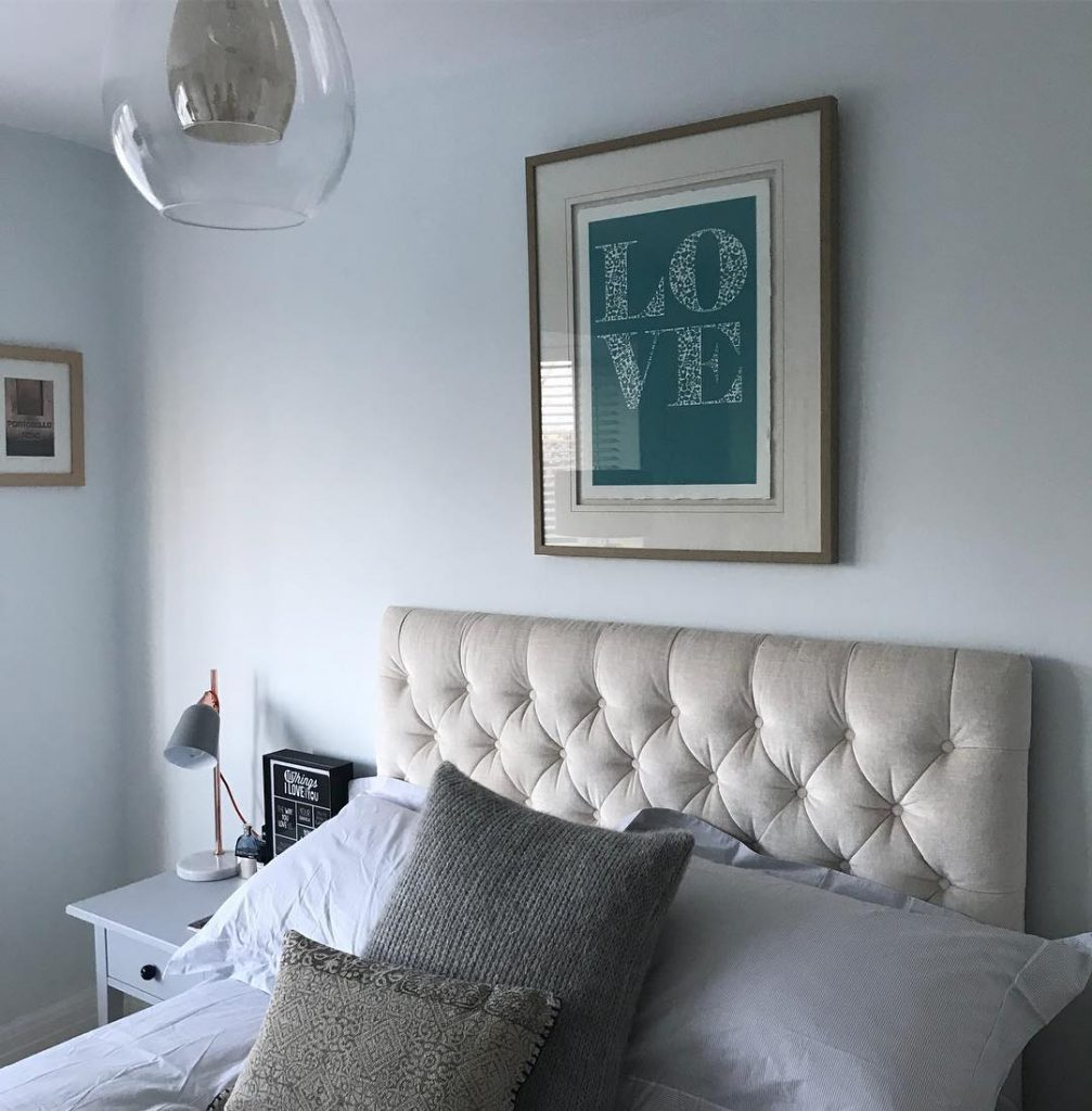 navy blue and gray living room ideas furniture portland farrow & ball cabbage white paint color schemes ...