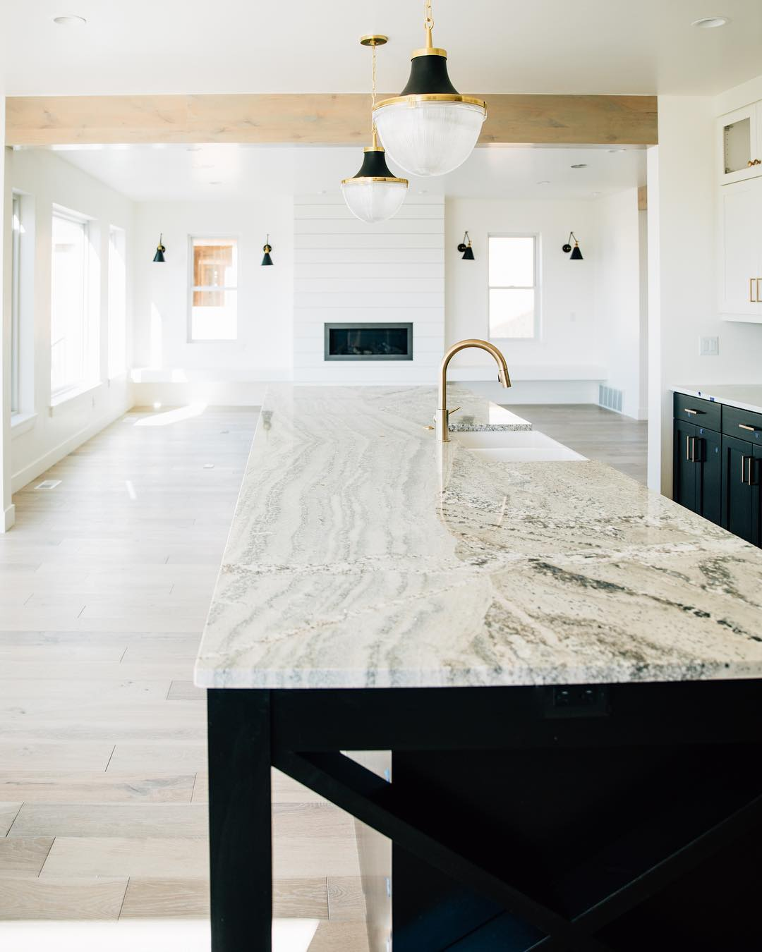Benjamin Moore Simply White Paint Color Schemes Interiors By Color