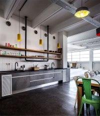 Dynamic Urban Office by Studio Roy David - InteriorZine