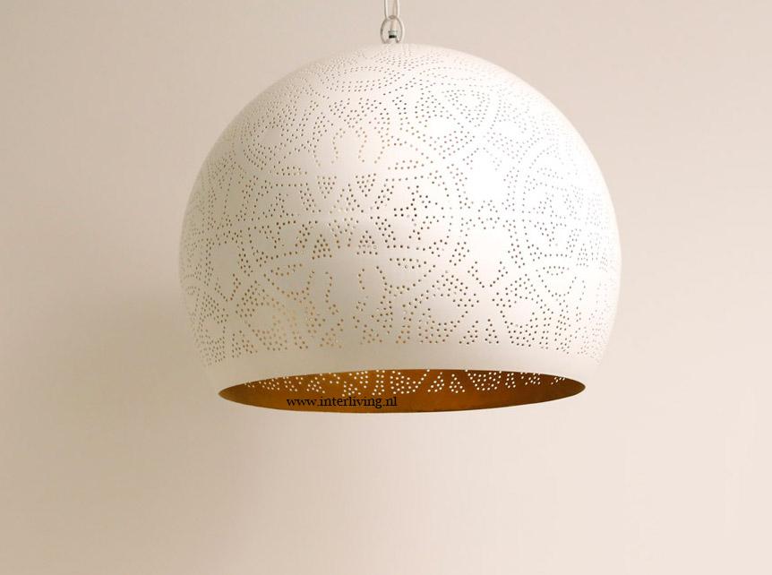 Witte hanglamp bol filigrain  goud look binnenkant