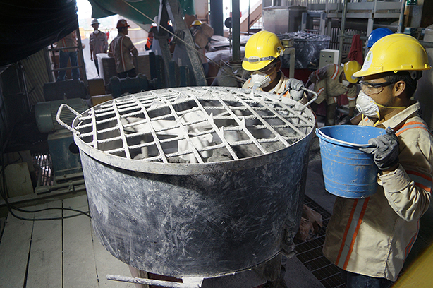 Equipo de mezcla para concretos refractarios de bajo cemento