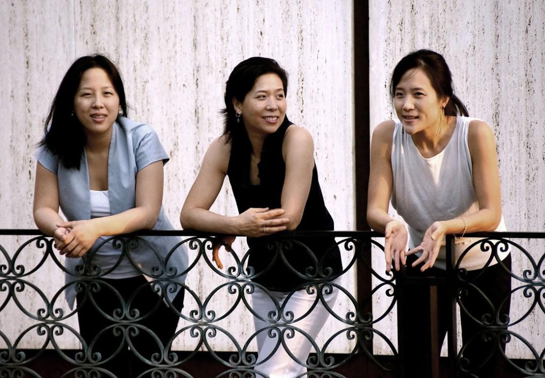 Lee-Trio(L-R)Melinda-Lee-Masur(piano)Angela-Lee(cello)Lisa-Lee(violin)photo-courtesy-of-artist