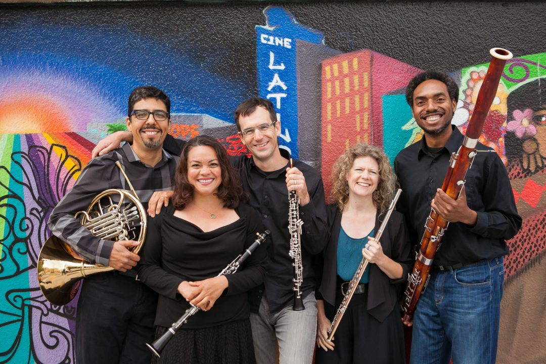 Quinteto-Latino(L-R)Armando-Castellano(horn)Leslie-Tagorda(clarinet)Kyle-Bruckmann(oboe)Diane-Grubbe(flute)Shawn-Jones(bassoon)_photo-courtesy-of-artist