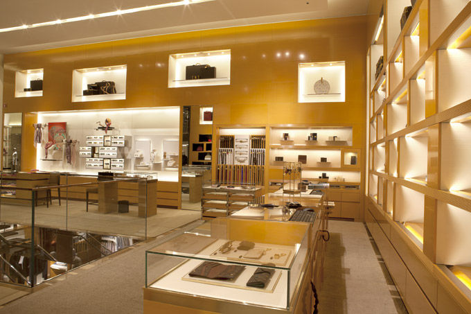 Louis Vuitton boutique concept  Interna