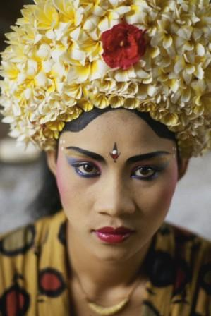 https://i0.wp.com/www.internationaleducationmedia.com/images/indonesia_national_dress.jpg