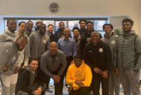 Warriors skip the White House meet with former president Barack Obama instead