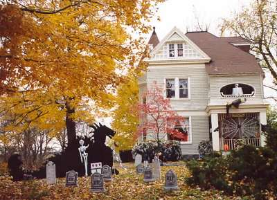 Halloween Decorations Haunted House Tour