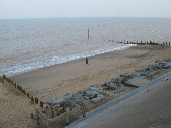 The whole of the defended frontage benefits from a groyne field which traps sand and has formed wide beaches.