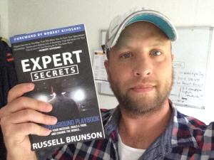 online marketing bücher expert secrets von russell brunson