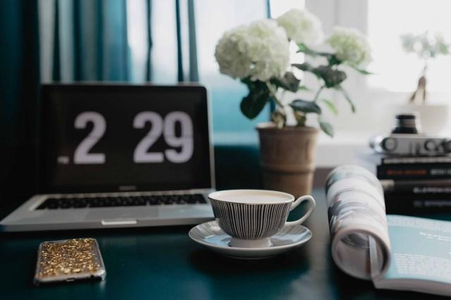 business woman blogger