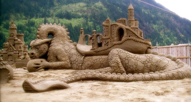Sand Sculptures Dragon