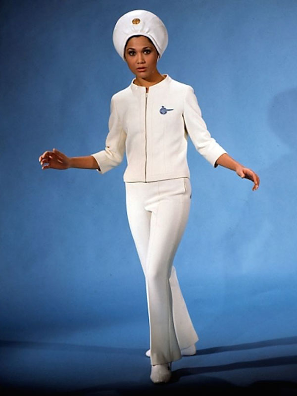 retro-uniforms-of-flight-attendants-1