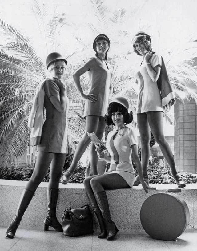 retro-uniforms-of-flight-attendants-3