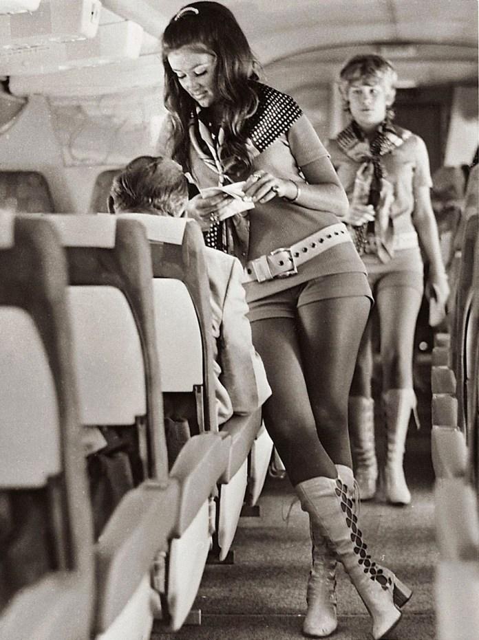 retro-uniforms-of-flight-attendants-7