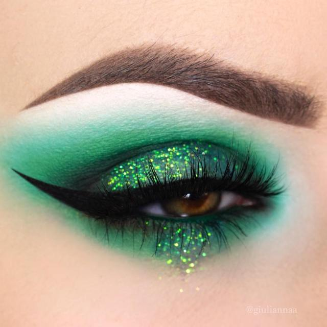 green-eye-makeup-for-St.-Pattys-day.