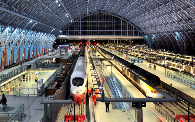 St-Pancras- Railway-Station- London-UK-01