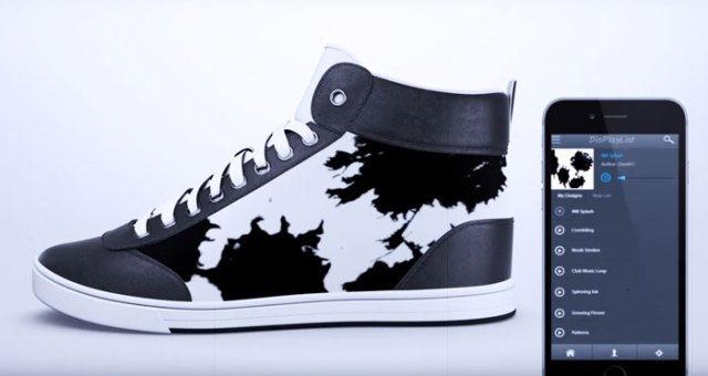 Shiftwear-HD-eInk-powered-shoes