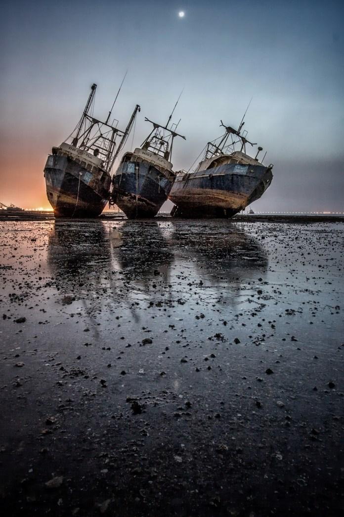 abandoned_ships_at_sea (2)