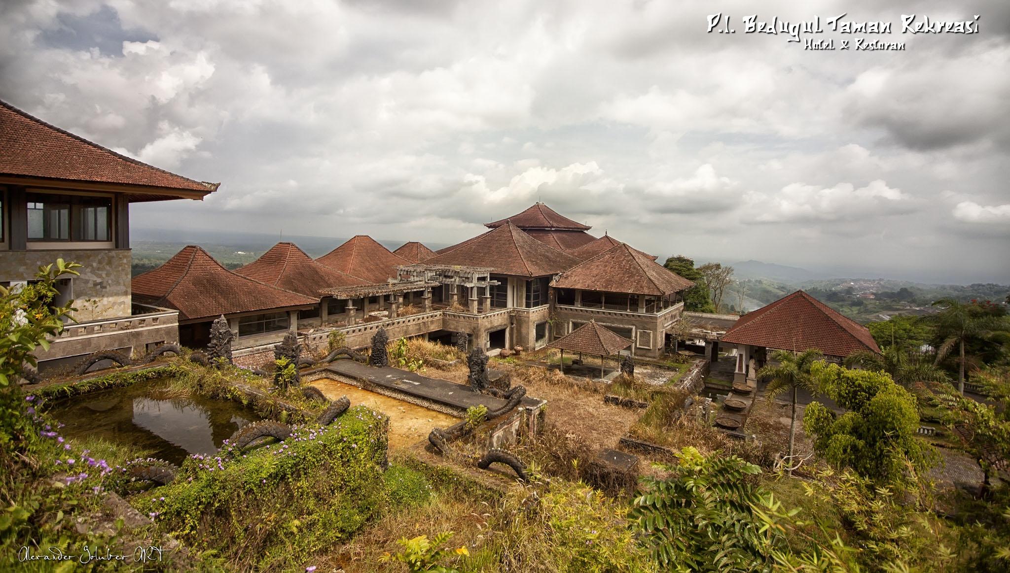 Batur_volcano_and_lake