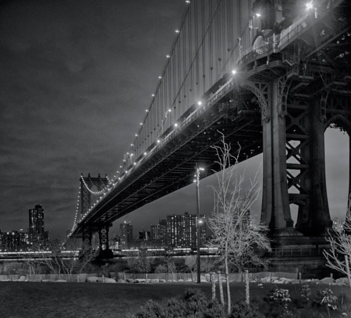 """""""Manhattan Bridge in the dark"""" by Galskjaer"""