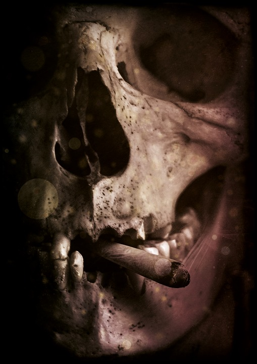 skull-and-crossbones-gondolier-how to make photo manipulation in photoshop