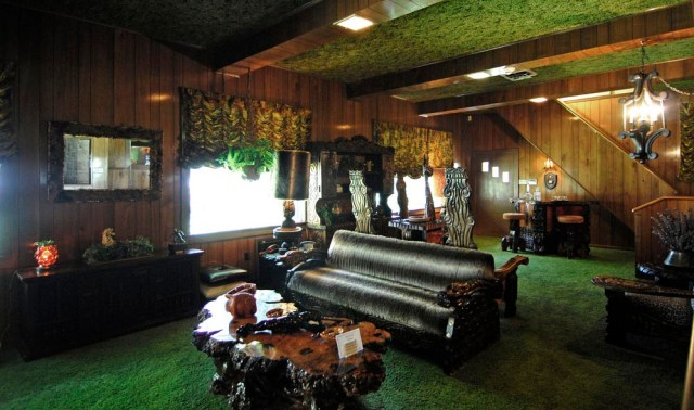 the Jungle room -Graceland