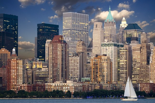 new-york-key to saving money on hotels while staying in the Big Apple is booking early
